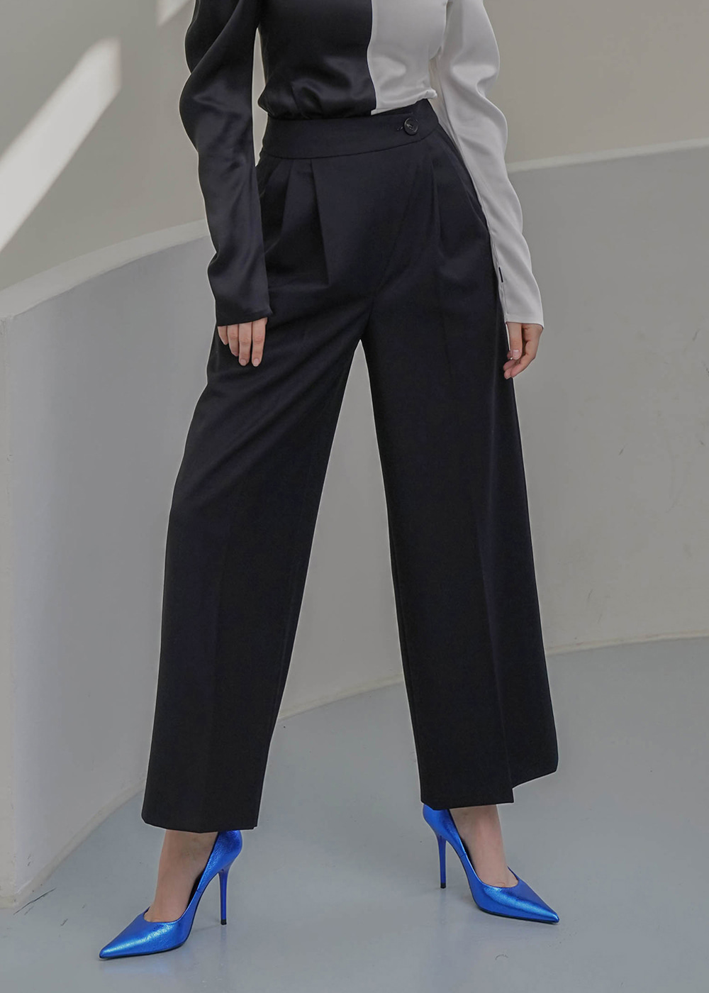 Diagonal Wool Wide Pants Black