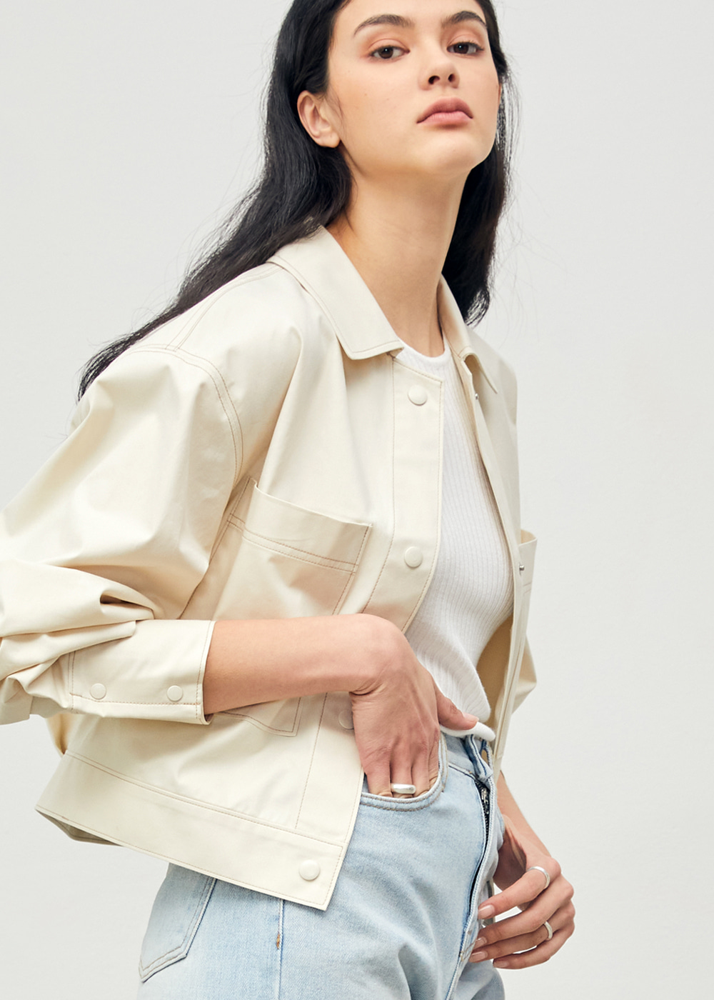 Cropped Snap Shirt Jacket Beige